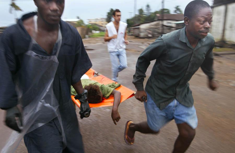 Svenska sara ute ur krigets liberia